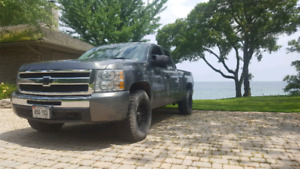 2011 chevrolet silverado 4x4 (read description)