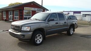 2009 DODGE DAKOTA SXT CREWCAB  4X4
