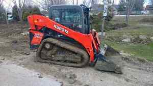 Track Bobcat for rent operator available