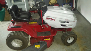 White Ride On Mower in Excellent Condition