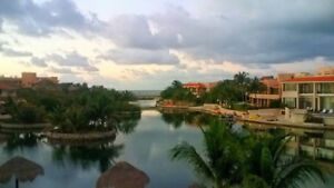 Waterfront condo in gated community - Puerto Aventuras MX