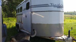 2002 3 horse slant bumper pull