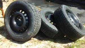 pneus d'hiver sur jantes (roue d'acier) 225/60 R17