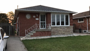 3 BEDROOMS IN MOHAWK HOUSE AVAILABLE FOR RENT SEPT 18
