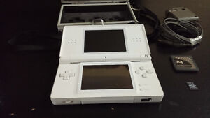 Nintendo DS Lite + Carrying Case + R4 Card + 2 gb. Micro SD Card