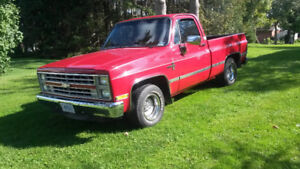 ***NEW PRICE*** 1986 Chevy C10 short box reg. Cab