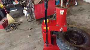 Selling tire machine