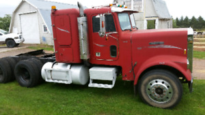 85 freightliner parting out