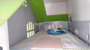 Childrens playhouse and bed set