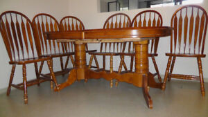 Kitchen Dining table medium brown with 6 chairs - $250