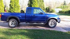 2004 Mazda B-Series Pickups Marche pied Camionnette