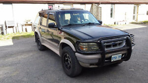 95 Ford Explorer -SAFETIED & E-TESTED-USA truck-NO RUST! OBO