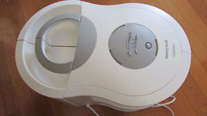 High Output Honeywell Humidifier with new filter
