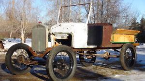 STEEL SPOKE WHEELS WITH A 1927 FORD ROADSTER BODY