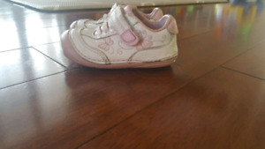 Stride Rite Size 4.5 Toddler Girl Shies