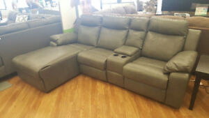 Mazin Maisie Sectional with Chaise/Recliner