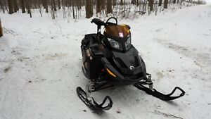 2010 SKI-DOO 1200MXZX & TRITON ENCLOSED TRAILER PACKAGE