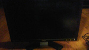 22 inch dell moniter with extras