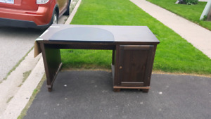 Free desk.  At the end of my driveway.