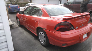Pontiac grand am 2003 163 000 km 1500$