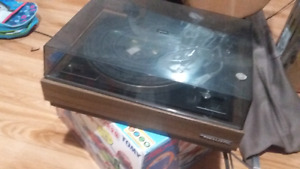 Vintage  ..turntable..realistic and receiver