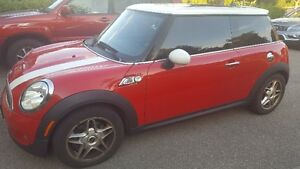 LOW KMs!! MUST SEE!! 2009 MINI Mini Cooper S Coupe (2 door)
