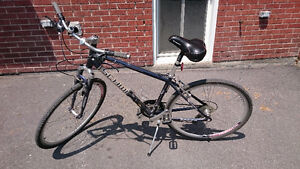 Schwin Avenue Hybrid Mountain bike, Shimano shift + Helmet 170$
