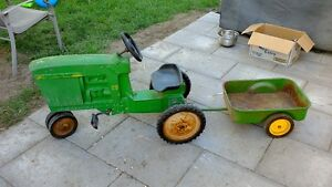 John Deere 20 Pedal Tractor with Wagon