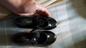 Little girls tap shoes size 10.5 w
