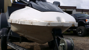 Boats & Watercraft Plastic & Fibreglass Repairs& Painting