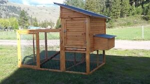 New 4-5 hen chicken coop with nesting boxes and run