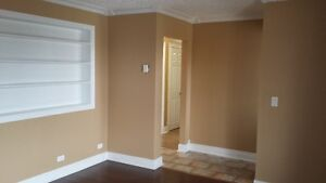 GRANDFALLS WINDSOR 2 Bedroom apartment (upstairs of house)