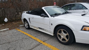 2004 Ford Mustang Convertible $1500
