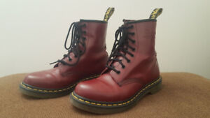 Dr Martens 1460 Boots - Cherry Red – 8 eyelet – Ladies size 9
