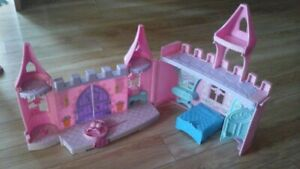 Chateau fisher price