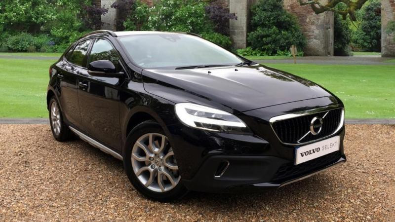 2017 volvo v40 cross country d3 cross country pro auto w w automatic diesel hat in croydon. Black Bedroom Furniture Sets. Home Design Ideas