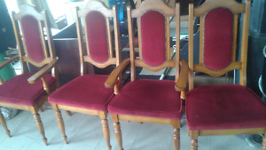 Oak double pedestal dinning room table and 4 chairs