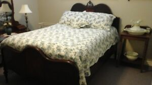 ANTIQUE BED/ NEARLY NEW MATTRESS