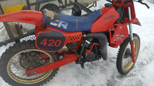 83 cr 125 rolling chassis no motor