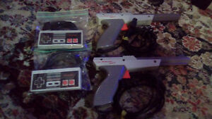 NES controllers and zappers