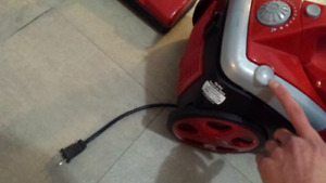 Balayeuse, Red Vacuum. Quick Power Cyclonic