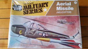 Vintage. Life-like military series 1/40 . Aerial Missile Helicop