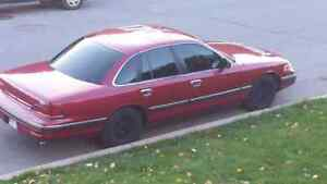 1994 crown vic fully loaded  looking for cash or trade