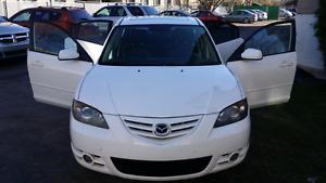 Mazda 3 special edition cuir toit ac excellente condition