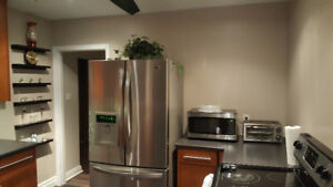 Luxury Room For Rent Near Fairview Mall