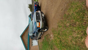 2001 Ford F-350 Pickup Truck - Engine only