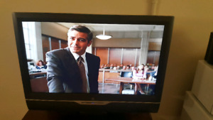 """Westinghouse 32"""" LCD HDTV w/ built in DVD Player"""