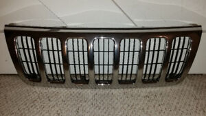 98-04 Jeep Grand Cherokee Grill with Grill Insert