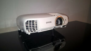 Home Cinema Projector Epson Cinema Powerlite 2030