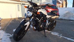 Yamaha FZ-07 2015 tres propre